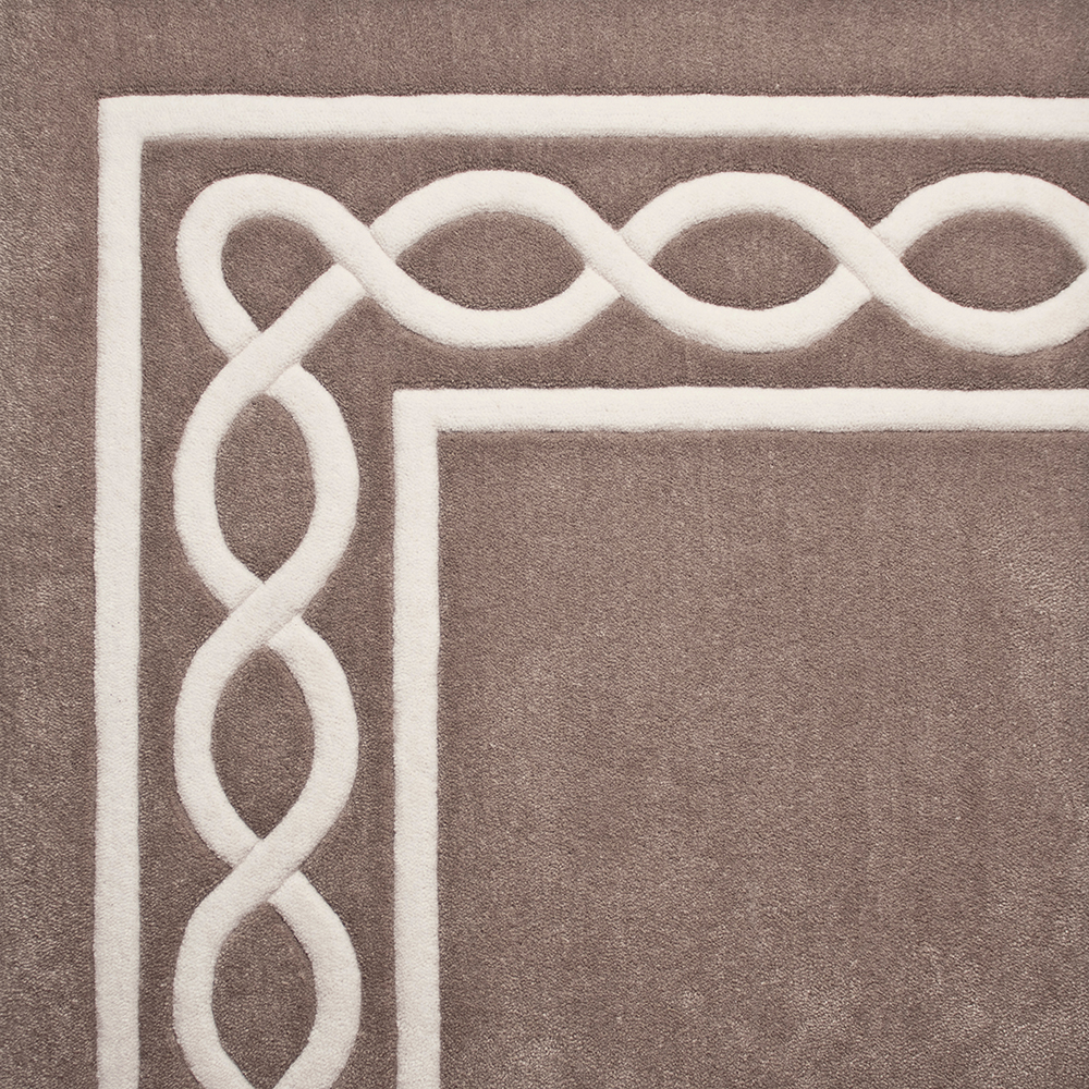 Inlaid Border Chain